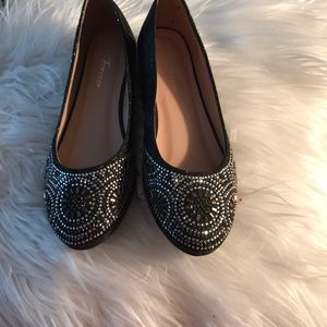 Beaded and sequins flat shoes.size 5